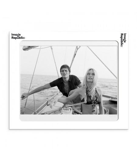 40x50 cm La Galerie Bardot Delon Voilier - Image Republic